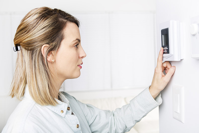 How To Choose The Right Thermostat For Your Furnace